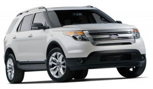 Ford Explorer XLT 2011. Note la parrilla frontal color cromado.