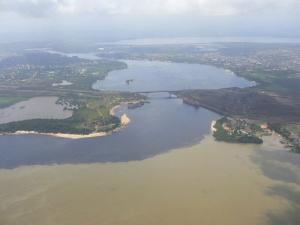 Resultado de imagen para confluencia del río Orinoco y el río Caroní