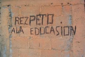 """Rezpeto ala Educasion"". Créalo o no, esto sucede."
