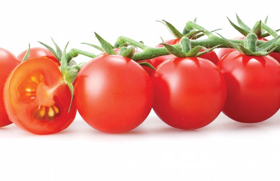 tomates cherrys  una peque u00f1a hortaliza con grandes