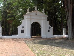 Entrada al Parque San Felipe El Fuerte. Estado Yaracuy.