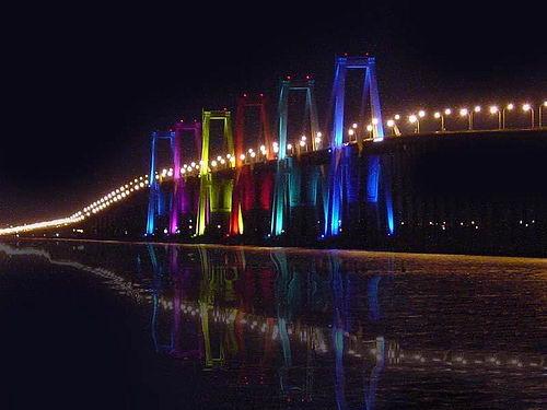 Encendieron las luces del puente sobre el Lago de Maracaibo